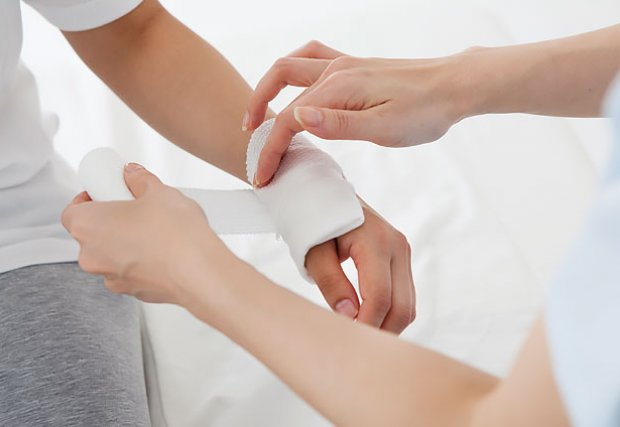 perform wound dressing safely